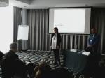 Anne Heldenbergh animant le débat avec J.M. Rigo